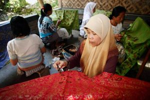 Full day cycling visiting Plantation &  Batik Making